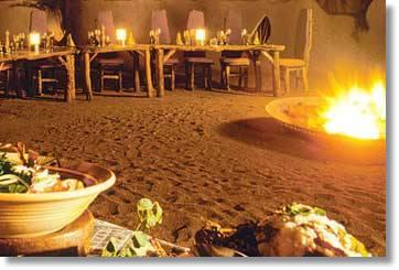 Afrika Stimmung im Aussen Restaurant Ulusaba Game Reserve Kruger National Park Luxusunterkünfte
